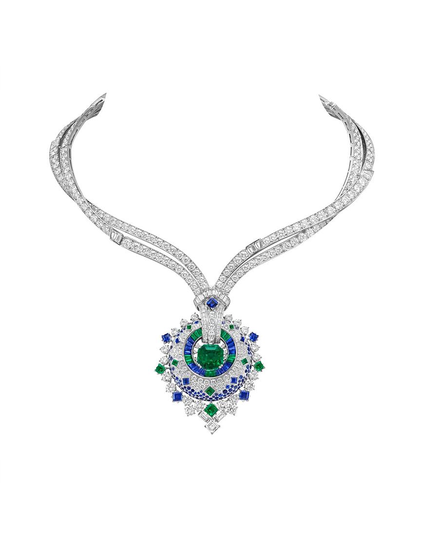 Stylish Traditional Diamond Hoop Earrings