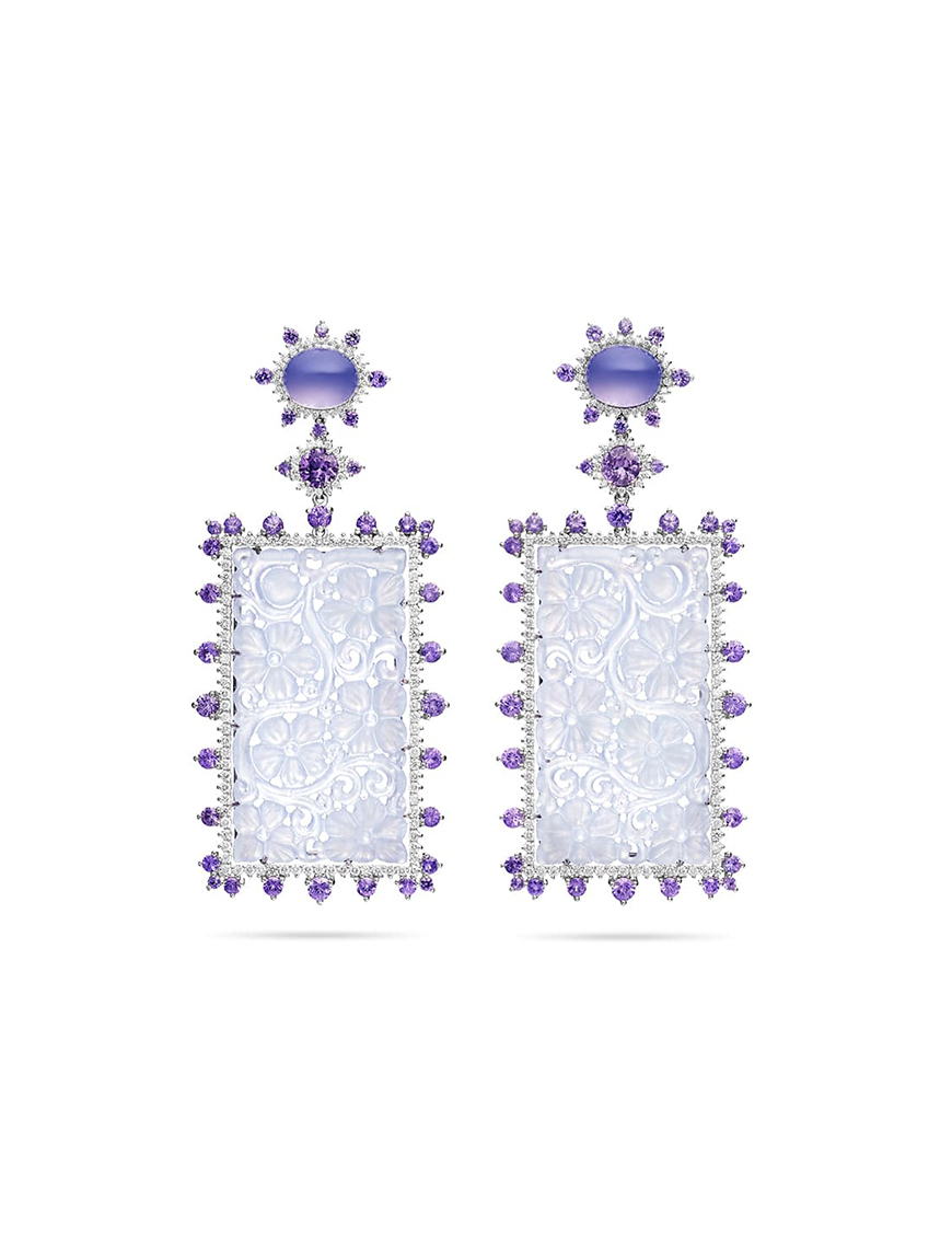 Enamouring Diamond And Gold Stud Earrings